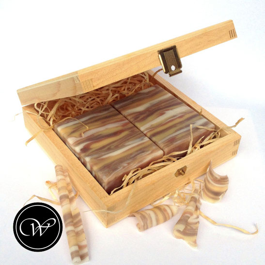 Woodgrain soap by Fraeulein Winter