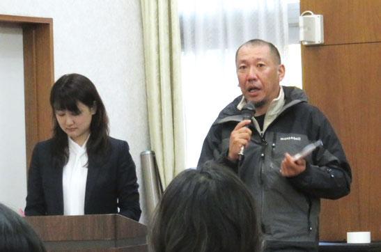 熱い応援メッセージを送る名古屋訴訟支援ネットワーク世話人の宮井さん