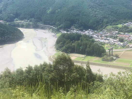 七越峰から大斎原を望む