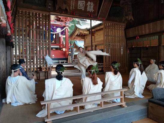 4月に執り行った河口浅間神社での舞のご奉納