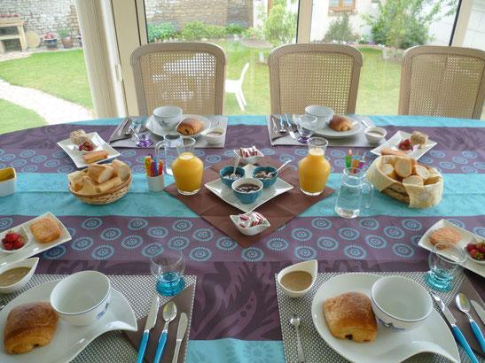 Petit-déjeuner chambre d'hôtes Courseulles