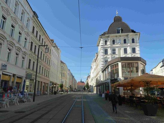 Gründerzeitstadtteil mit Blick auf den Bahnhof im Hintergrund