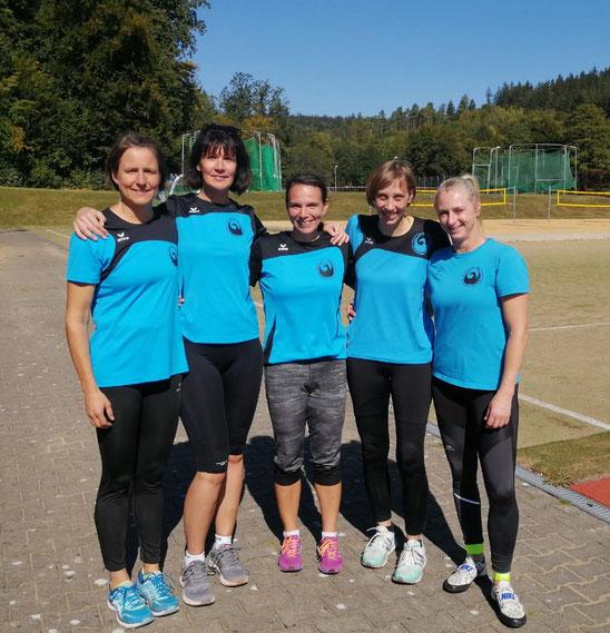 Die siegreichen Damen! V. l. n. r.: Bettina Schardt, Kristina Telge, Anne Reuschenbach, Reante Ansel und Natscha Wolf.