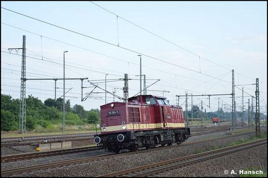 202 364-6 (Lok OST 112 364-5) verlässt am 16. Juli 2021 Lz den Hbf. von Luth. Wittenberg