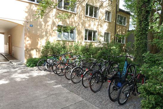 Innenhof Leimenstrasse 76