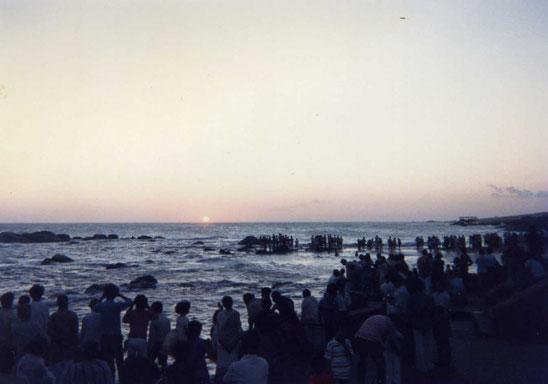アラビア海に沈む最後の夕陽