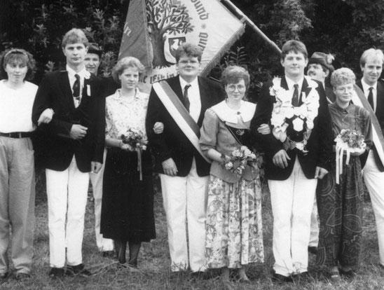Reinhard Gloe stellte im Jahr 1990 zusammen mit Margret Sicking (geb. Schulze Kalthoff) das Königspaar