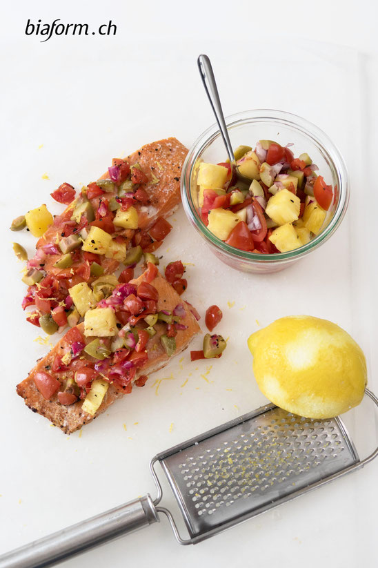 Lachs Rezept, Schweizer Foodbloggerin, Lachs mit Tomaten-Ananas-Salsa, Blog Schweiz, biaform