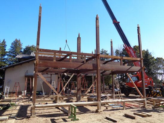 いよいよコアとなる大黒柱周りの構造の解体を残すのみとなった。