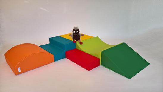 6 Softbauklötze, Bewegungsstrecke, Spielbausteine aus Schaumstoff mit Kunstlederbezug