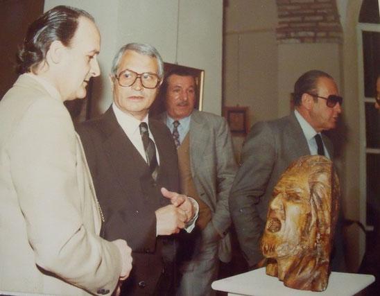 Mugnoz presenta le sue opere al sindaco Attilio Brugiamolini