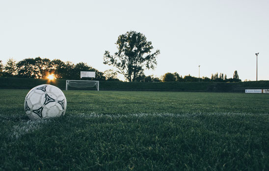 Marie Gabrielle Blog- Fußball zwischen Abseitsregel & abseits der Regel