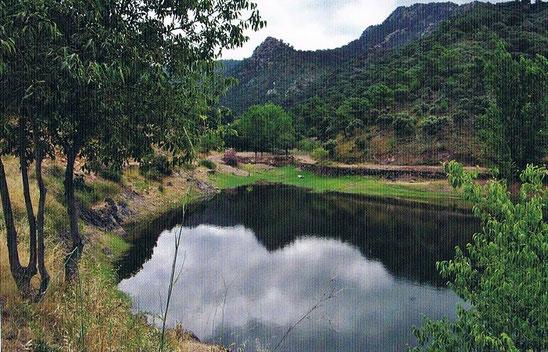 Laguna de la Sierra de Espadán, Castellón, Comunidad Valencia, España.