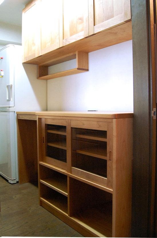 実用性ばっちり、使いやすいキッチン壁面収納(鎌倉市・M様邸)