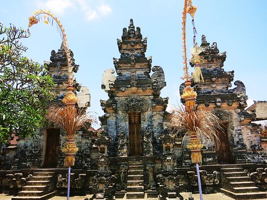 Strandtempel im Südwesten von Bali
