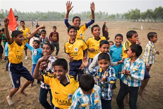 Ehemalige Straßenkinder spielen Fußball