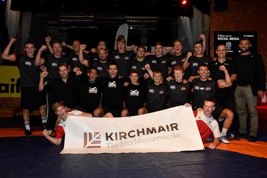 Unser Team nach dem ersten Kampf mit Christian Matt von  TischlerMeisterwerke Kirchmair