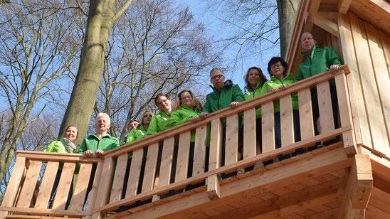 Team Baumhaushotel Solling, Baumhaus Kobel. Bild: Baumhaushotel Solling 2017