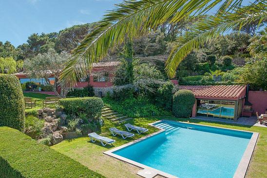 Belle maison avec piscine privée et grand jardin à louer à Begur pour les vacances