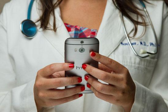 Praxissoftware, Software Arzt Arztpraxis eRezept Rezept Telematikinfrastruktur App Digitalisierung Gesundheitswesen