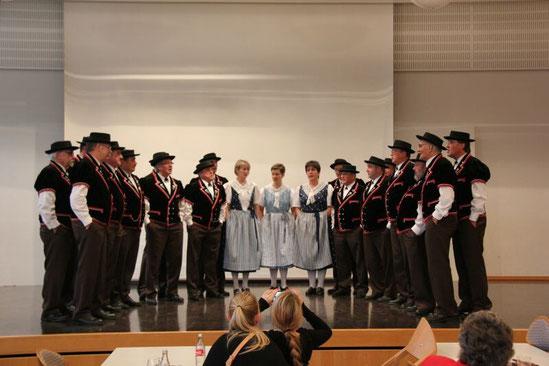 "Auftritt an dr ""Stubete der Trachtengruppe"" in Muttenz, 17. November 2013"