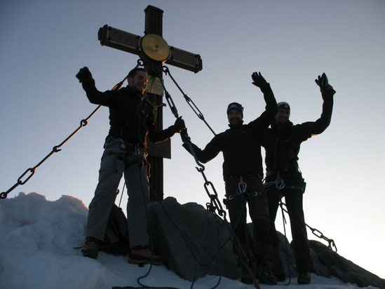 Am Gipfelkreuz des 3798m hohen Großglockners