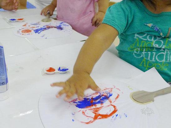 幼児教室夏祭り・団扇づくり