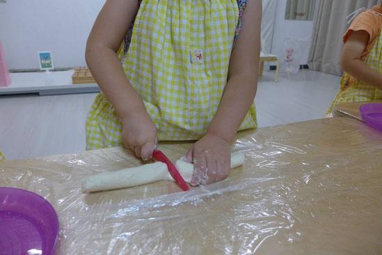幼児教室団子づくり・材料切り