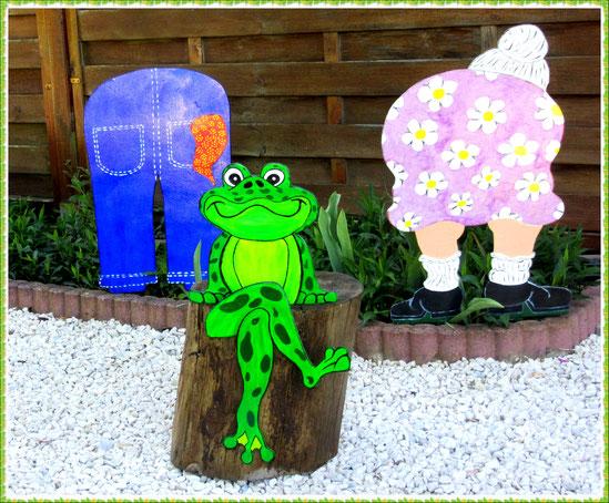 Figurine en bois Madame la grenouille