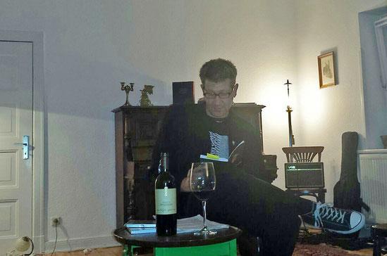 """Lars Gebhardt Autorenlesung am 28.09. bei der Wohnzimmer-Lesung """"Zu Gast bei den Hansens"""" in Ottensen."""