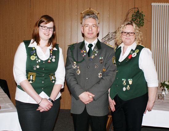 Joana Söhl (Schrift); Mario Glyschewski (Präsident); Sandra Fick (Kasse) [Foto E. Jäger]