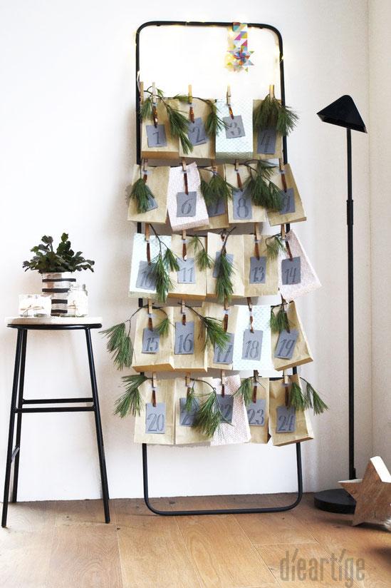 dieartigeBLOG - (Handtuch)Leiter mit Papiertüten, Kiefernzweigen und Grauen Zahlen-Anhängern