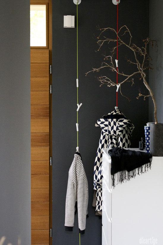 dieartigeBLOG - Dunkle Wände, Anthrazit mit Blauton / Kontraste mit Weiß / Kontrapunkt mit Grau