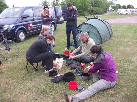 Kochen auf dem Campingplatz in Gränna.