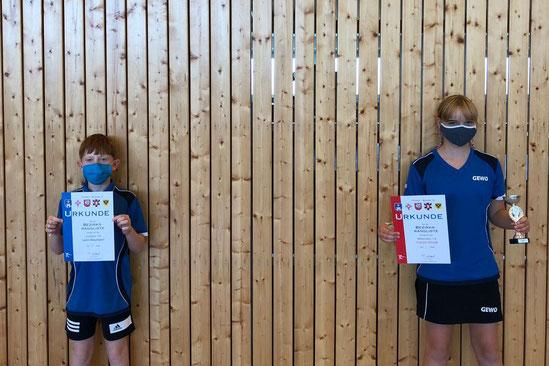 Leon Baumann und Carolin Stindt freuen sich über ihrer Platzierungen.
