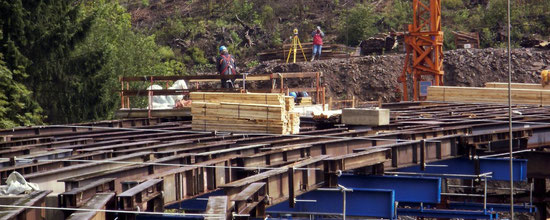 Vermessung im Brückenbau vom Fundament bis zum Gradientenausgleich