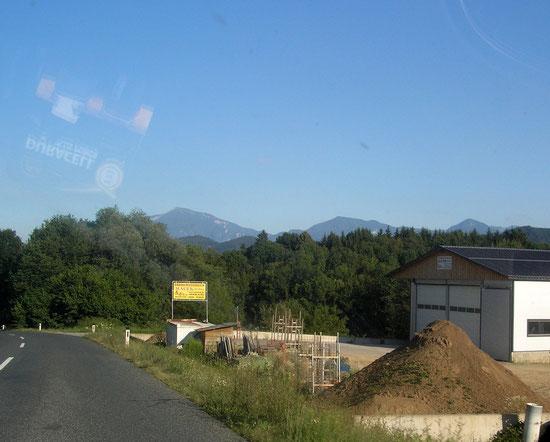 Ausfahrt Tainach mit Karawanken