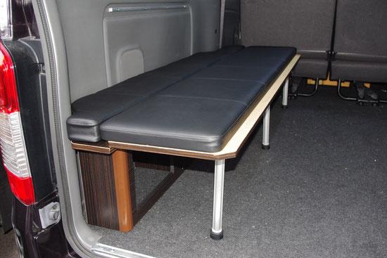 ハイエース、NV350にベッドキットを付けるなら、トランポキットの【両面跳ね上げベッド】が最高!