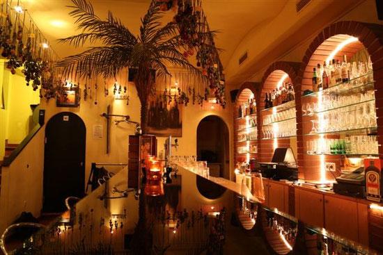El fuego für bar-hocker: Das Party Lokal in Wien