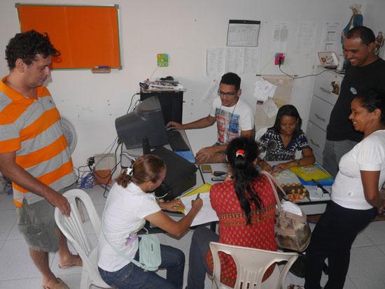 Die Teilnehmer erhalten die Tagungsunterlagen
