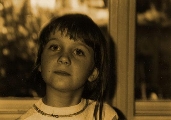 Der Zug um den Mund ... die Augen ... unverkennbar! ^^ Claudi Feldhaus | Autorin um 1997