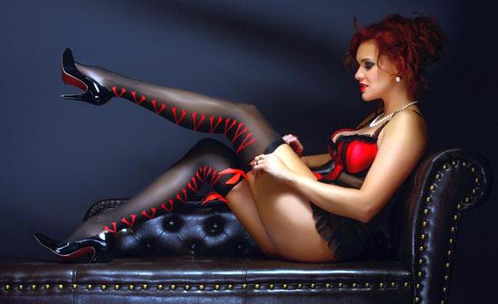 Dessous kaufen, Erotikshop online bestellen, Reizunterwäsche, BH Set, Slip, String, Strümpfe,
