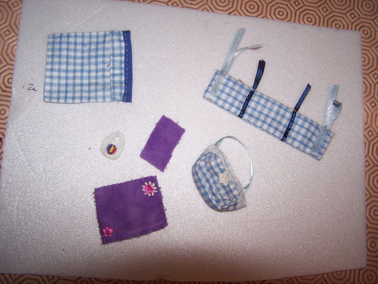 tour de lit bébé + son drap + bavoir + serviette+sac bébé