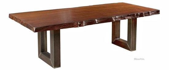 Baumstammtisch mit Naturkanten, einzigartiger Kauri Naturholztisch mit urwüchsiger Maserung, exklusives Tischunikat, individueller Holztisch