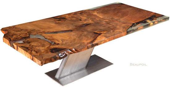 Unvergleichlicher Designer Esstisch aus altem Kauri Wurzelholz, Designertisch mit Edelstahlfuß, exklusiver Holztisch mit einzigartigem Naturwildwuchs