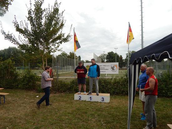 Siegerehrung bein den M 30 mit Hendrik Szabó als Vierfachsieger!
