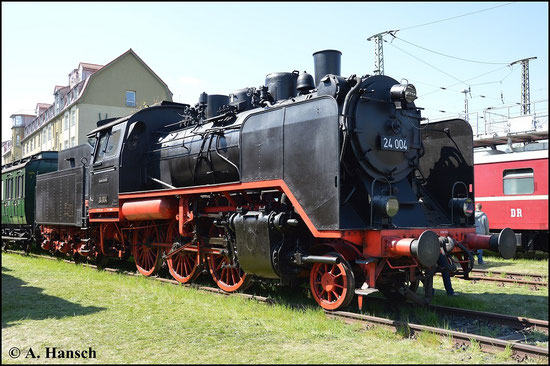 Am 19. April 2015, zum 7. Dresdner Dampfloktreffen ist die Lok mit Lampen versehen. Auch das Wetter zeigt sich von seiner besten Seite