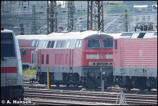 """218 812-6 steht am 27. August 2016 in Leipzig Hbf. Aus dem Zug heraus war zumindest ein """"Notschuss"""" möglich"""