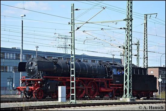 001 180-9 war am 19. April 2015 zum 7. Dresdner Dampfloktreffen im Bw Dresden-Altstadt zu Gast