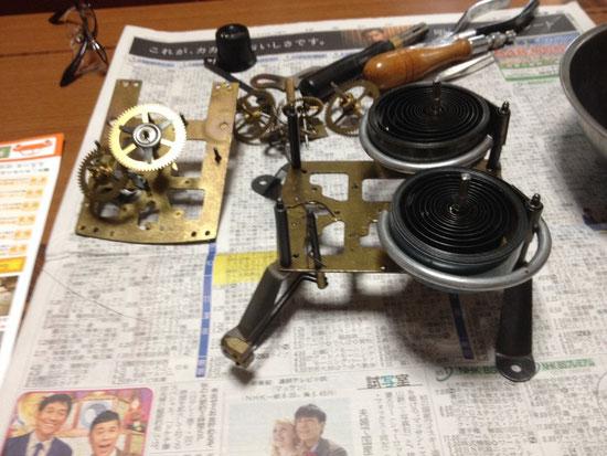 ゼンマイ式掛け時計の分解掃除